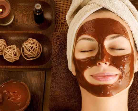 Home Spa Beauty: Η πιο γλυκιά περιποίηση του χειμώνα με Μέλι, Καρύδα & Σοκολάτα